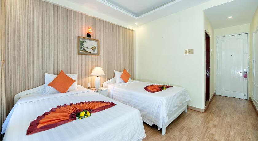 Khách Sạn Palm Beach