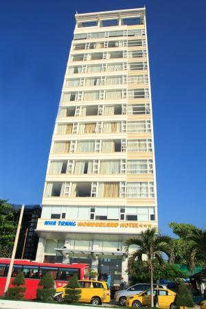 Hotels Nha Trang. Khách sạn Wonderland Nha Trang. Đường Phạm Văn Đồng Nha Trang