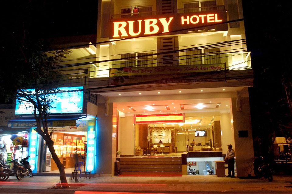 Khách sạn Ruby. Khách Sạn Đường Biệt Thự
