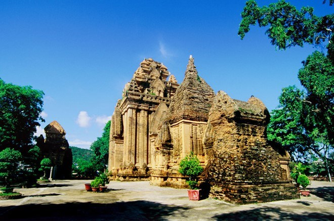 Tour Nha Trang city. Tháp bà ponagar