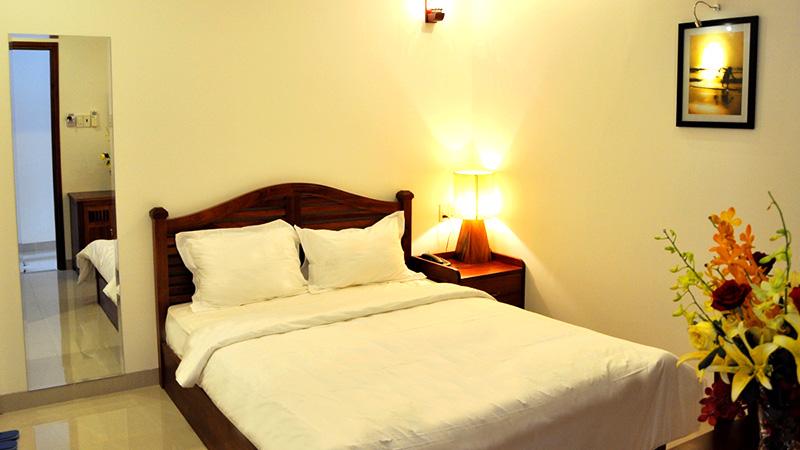 khách sạn white lion. khách sạn đường nguyễn thiện thuật nha trang