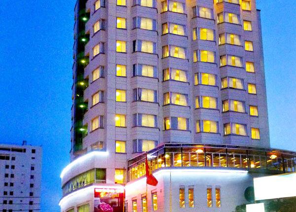 khách sạn the light. Đ/C: 86 đường trần phú nha trang