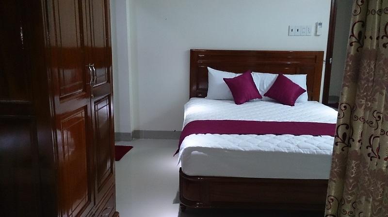 khách sạn opalus h&t. khach san nha trang