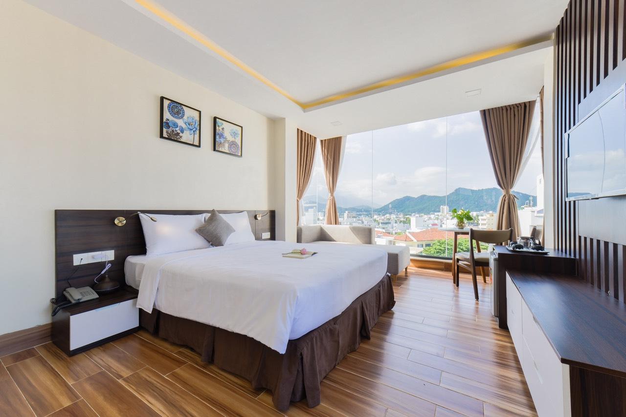 Khách Sạn & Căn Hộ Yến Vàng