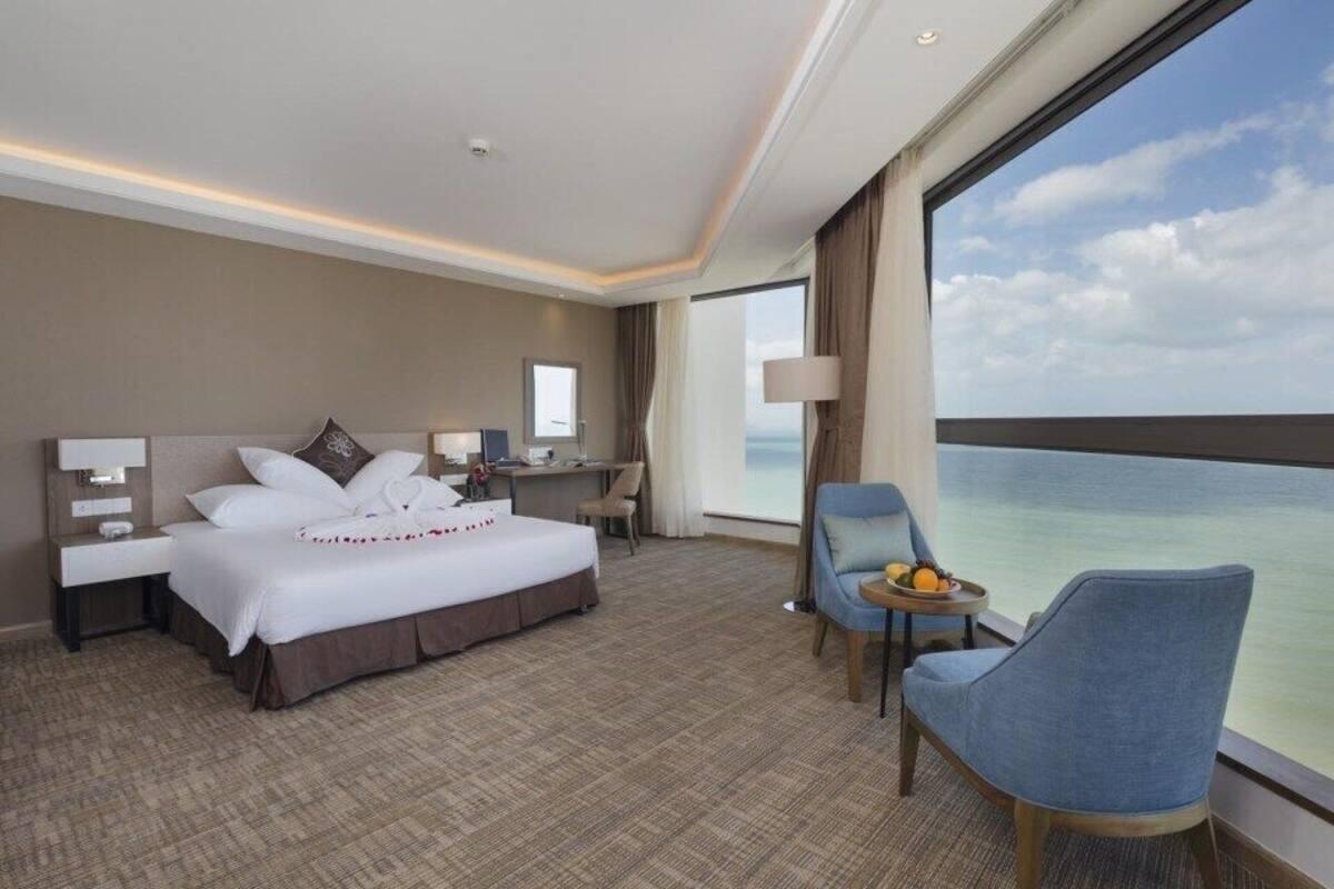 khách sạn commodo nha trang